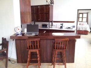 Breakfast Bar\Home Office