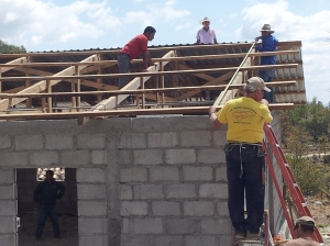 KY team helping to build the church in Coalaca.